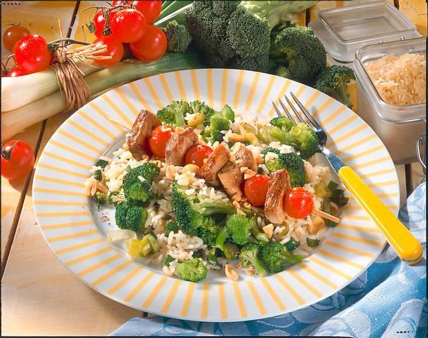 Broccoli-Risotto mit Fleischspießen Rezept