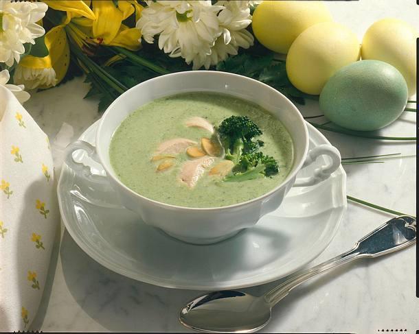 Broccolicremesuppe mit Hähnchenbrust Rezept