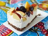 Bröselkuchen mit Joghurtmousse und Aprikosen Rezept