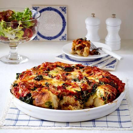 Brötchenpizza mit Spinat & zweierlei Käse Rezept