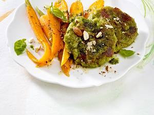 Brokkoli-Taler mit Pesto-Möhren Rezept