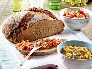 Brot mit zweierlei Dips Rezept