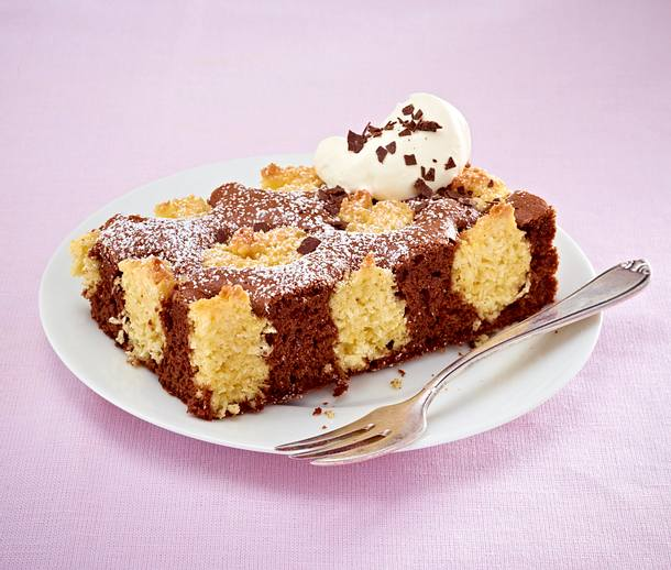 Brownie-Kuchen mit Kokosmützchen Rezept