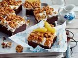 Brownie mit Knusperkaramell und Birnenkompott Rezept