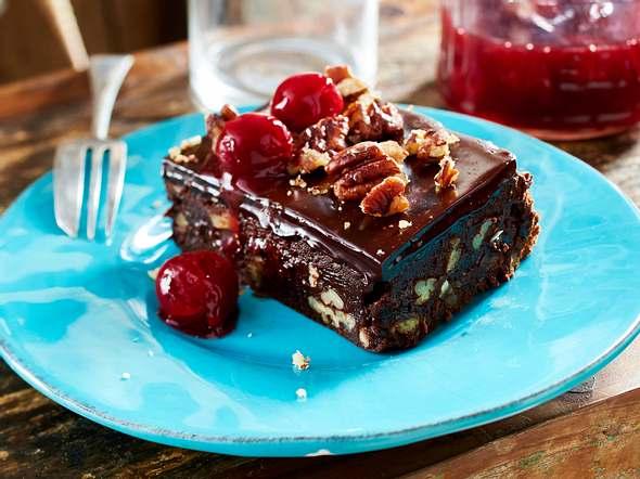 Brownie mit Pecannüssen und Kirschen Rezept