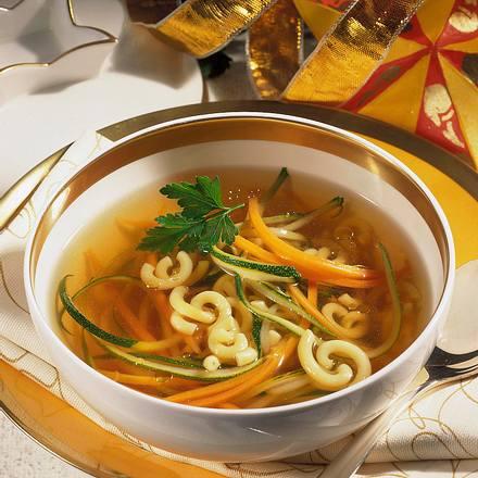 Brühe mit Gemüse-Spaghetti Rezept