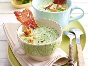 Brunnenkresse-Suppe mit Parmaschinken-Chips und Croûtons Rezept