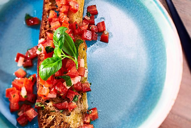 Bruschetta-Salsa zu Suppe oder Crostini Rezept