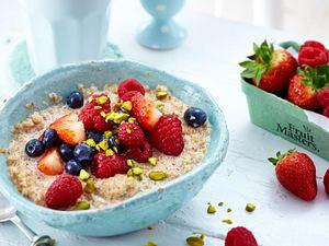 Buchweizen-Porridge mit Beeren Rezept