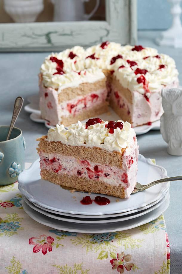 Buchweizen-Preiselbeer-Torte Rezept | LECKER