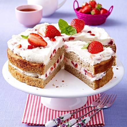 Buchweizentorte mit Erdbeeren Rezept