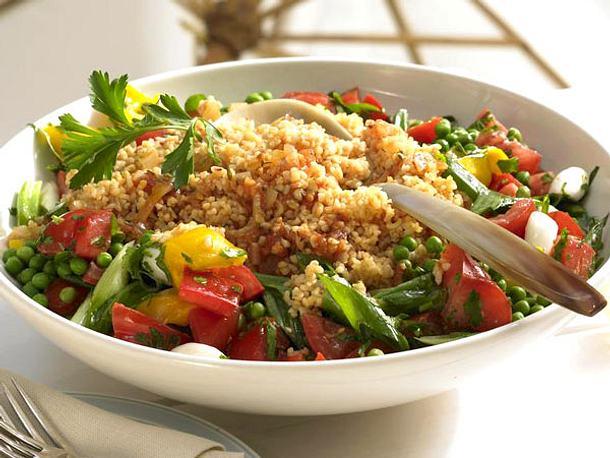 Bulgur-Salat mit Paprika & Erbsen Rezept