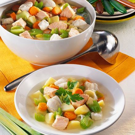 Bunte Gemüsesuppe mit Fisch Rezept