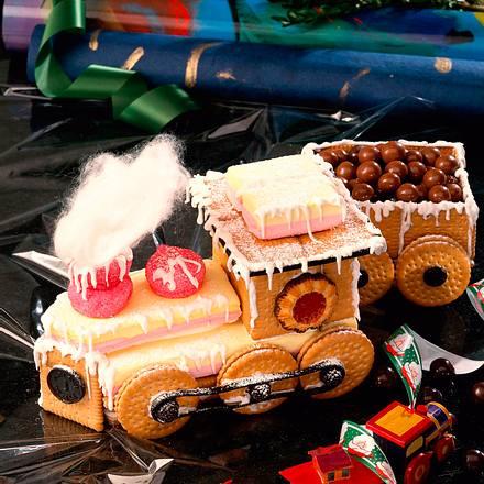 Bunte Kekslokomotive mit Tender Rezept