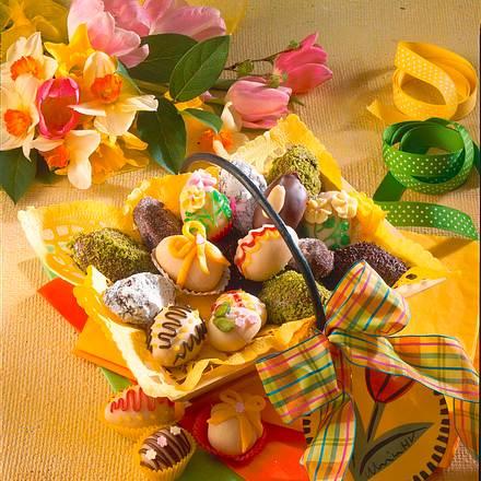 Bunte Marzipan und Trüffel-Eier Rezept