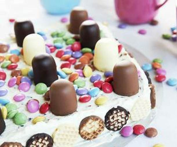 Bunte Mini-Schokokuss-Torte (Enie backt) Rezept