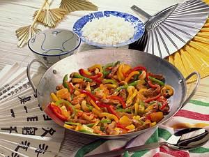 Bunte Paprikapfanne auf chinesische Art Rezept