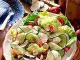 Bunte Salatplatte mit Ziegenkäse Rezept