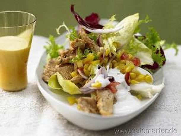 Bunte Salatschüssel mit scharfem Hähnchen und Parmesan-Dressing Rezept
