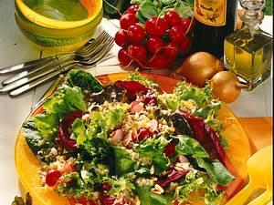 Bunter Blattsalat mit Ei-Vinaigrette Rezept