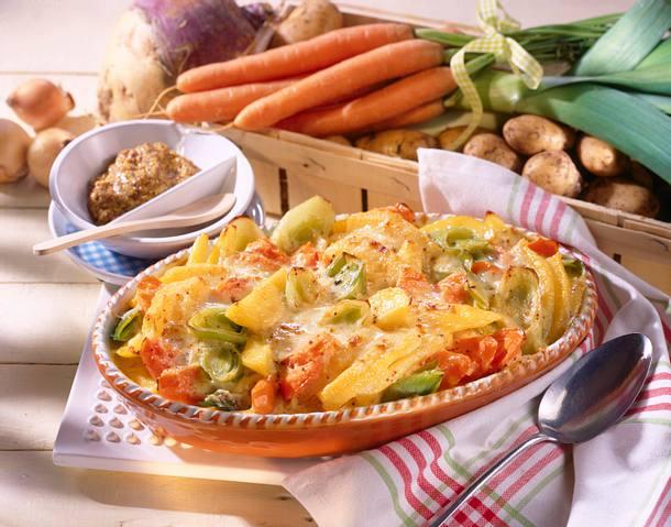 Bunter Gemüse-Auflauf mit Senf-Béchamel-Soße Rezept
