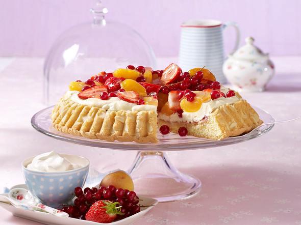 Bunter Obstkuchen mit Mandelcreme Rezept