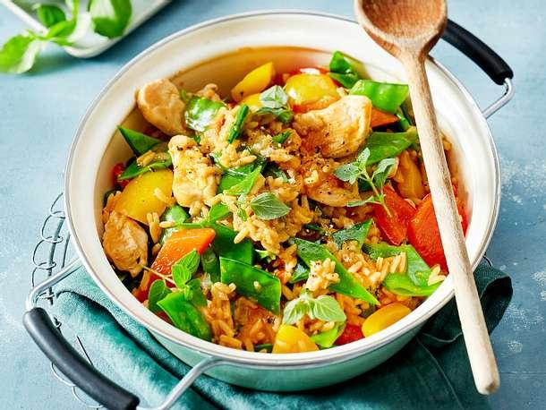 Bunter One-Pot-Reis mit Hähnchen Rezept
