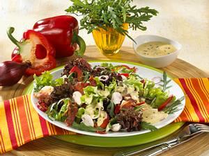 Bunter Salat mit Currycreme Rezept