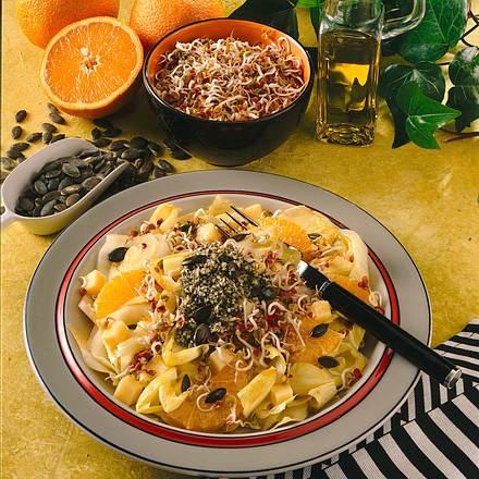 Bunter Salat mit Kürbispesto Rezept