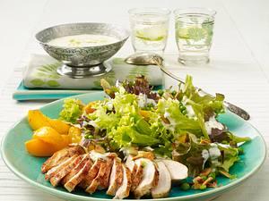 Bunter Salat mit Tandoori-Hähnchen Rezept