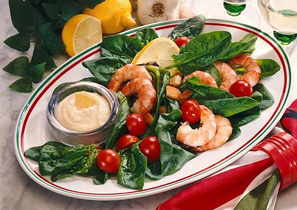 bunter spinat scampi salat mit knoblauchdip rezept chefkoch rezepte auf kochen. Black Bedroom Furniture Sets. Home Design Ideas