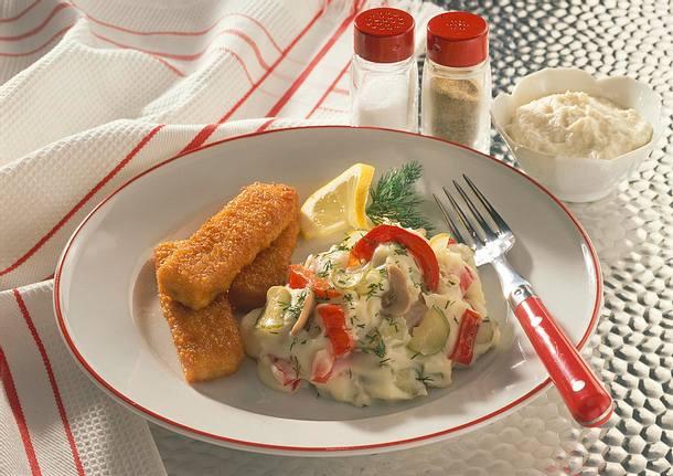 Buntes Kartoffelpüree mit Fischstäbchen Rezept