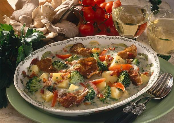 Buntes Kartoffelragout mit Austernpilzen. Rezept
