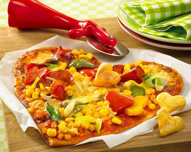 Buntes Pizza-Herz zum Muttertag Rezept