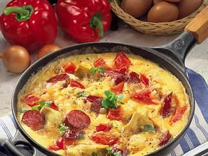 Buntes Rührei mit Cabanossi, Paprika und Artischockenherzen Rezept