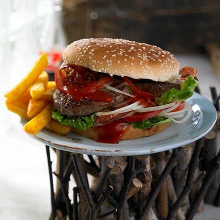 Burger de luxe mit Whiskey-Ketchup-Soße Rezept