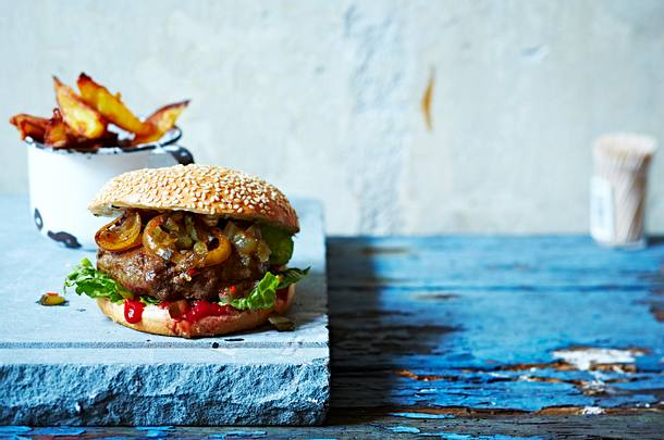 Burger mit BBQ-Soße Rezept