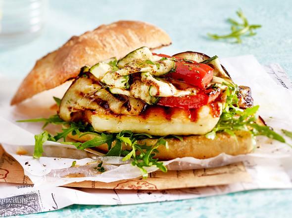 Burger mit Halloumi und Grillgemüse Rezept