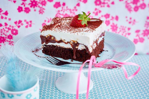Buttermilch-Brownie mit Schokokusscreme Rezept