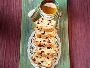 Buttermilch-Gewürzkuchen mit Cranberrys Rezept