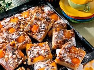 Buttermilch-Hefekuchen mit Aprikosen (Diabetiker) Rezept