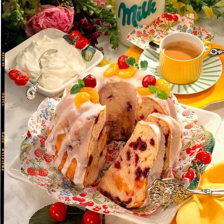 Buttermilch-Kuchen mit Früchten Rezept