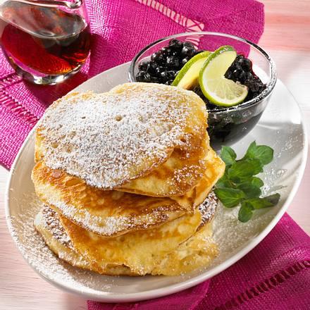 Buttermilch-Küchlein mit Heidelbeeren Rezept