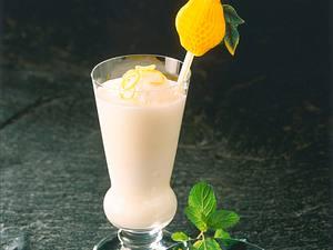Buttermilch-Minz-Shake mit Zitronensorbet Rezept