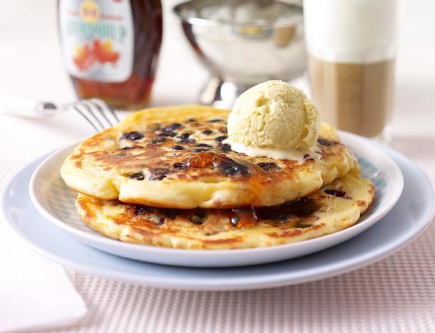 Buttermilch-Pancakes mit Blaubeeren Rezept