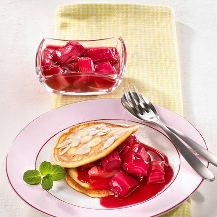 Buttermilch-Pancakes mit Rhabarber Rezept