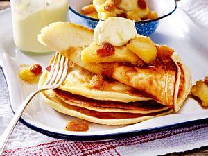 Buttermilch-Pfannkuchen mit Gewürz-Äpfeln Rezept