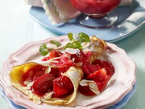 Buttermilch-Pfannkuchen mit Erdbeer-Rhabarber-Kompott Rezept
