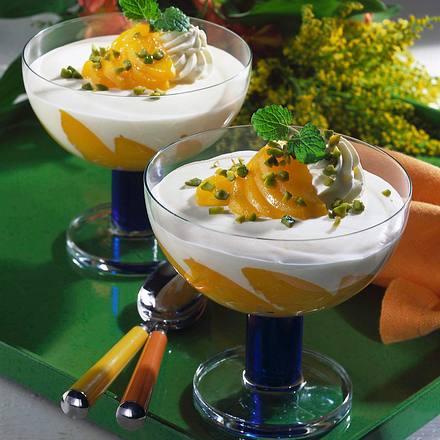 Buttermilch-Speise mit Pfirsich Rezept