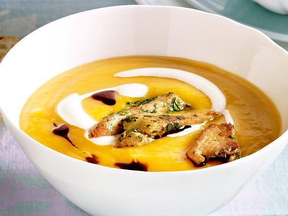 Butternusskürbis-Suppe mit Hähnchenstreifen Rezept
